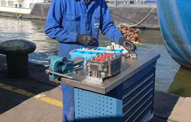 Marine Hydraulic life boat crane repair - HYDROCARE