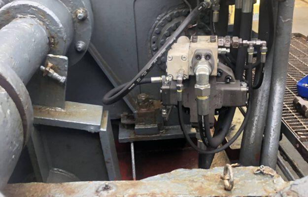 plaatsen hydrauliek motor